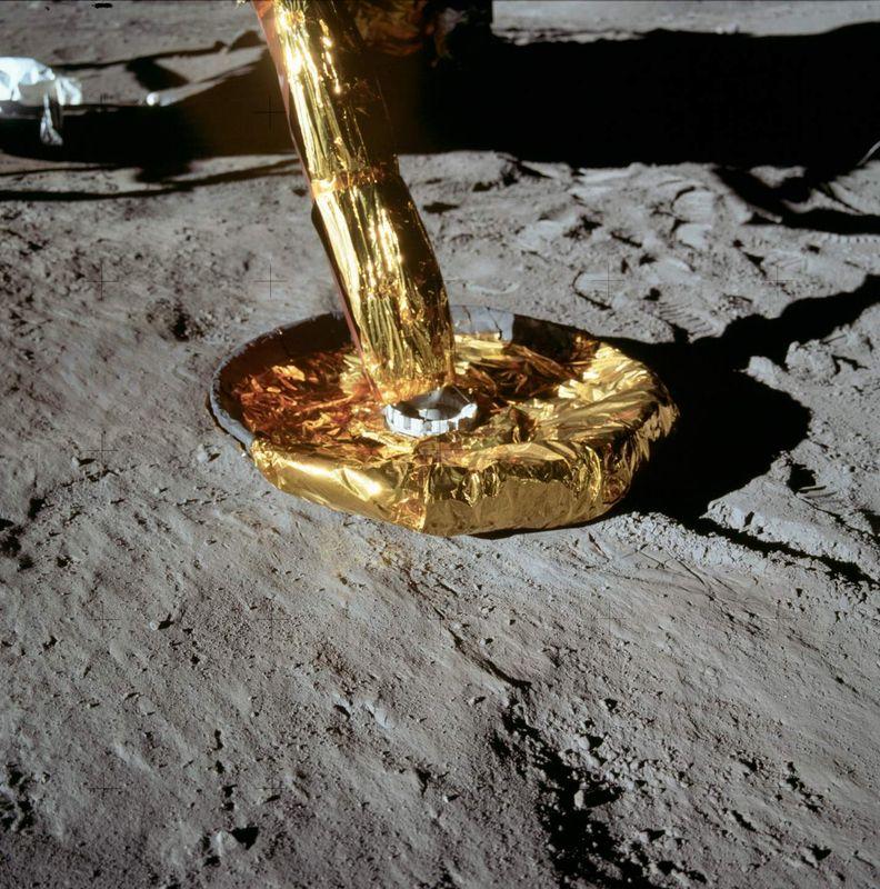 Apollo_11_54.jpg