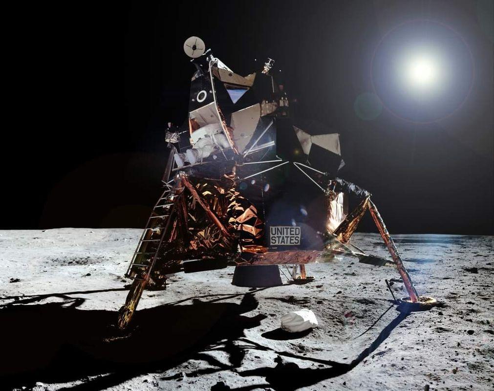 Apollo_11_65.jpg