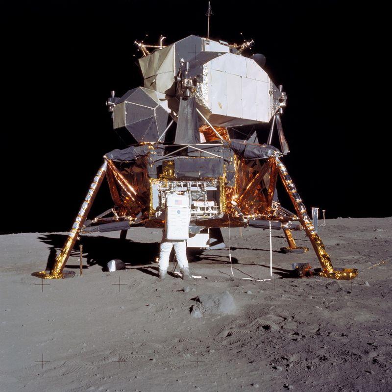 Apollo_11_66.jpg